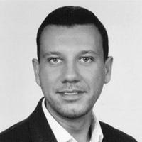 dr Szymon Kucharski